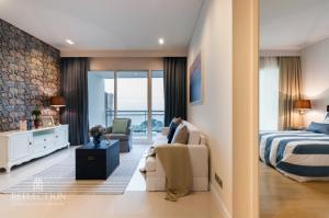 For SaleCondoPattaya, Bangsaen, Chonburi : That's a good deal! 🔥 Reflection Jomtien Beach Pattaya (2 Bedrooms) The ultimate luxury condominium in Pattaya!!!! 🔥🔥