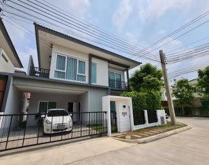 For SaleHouseRathburana, Suksawat : SH_01032 Twin house for sale Q District Suksawas WongwaenRama 3
