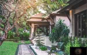 ขายบ้านสุขุมวิท อโศก ทองหล่อ : Rental/ Selling : Villa House In Thonglor with Private Pool , 5 Beds 5 baths ,163 sqw, 459 sqm ,Parking 4+4🔥🔥 Rental : 550,000 THB / Month🔥🔥 🔥🔥 Selling : 220,000,000 THB 🔥🔥 #Houserental#Fullfurnished#Milinproperty. Tel. 096-9822394K. May🆔 milin_milin.