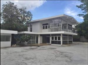 For RentHouseRama5, Ratchapruek, Bangkruai : ให้เช่า บ้านพร้อมบริเวณ เนื้อที่ 350 ตร.ว ซอยติวานนท์ 16 เข้าได้ 2 ซอย เข้าซอยประมาณ 60 เมตร  ใกล้รถไฟฟ้าสายสีม่วง