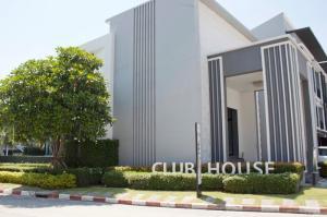 For RentTownhouseRamkhamhaeng, Hua Mak : 3-storey townhome for rent Baan Klang Muang Rama 9-Ramkhamhaeng 18 sq.wa.