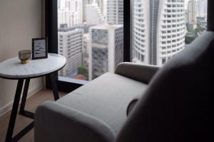 For RentCondoSukhumvit, Asoke, Thonglor : Carry your bags and move in. Ashton Asoke condo for rent, beautiful room, complete electrical appliances.