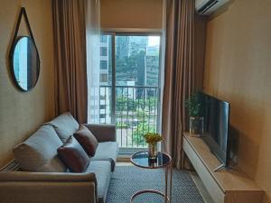 เช่าคอนโดรัชดา ห้วยขวาง : ให้เช่า 1 ห้องนอน ราคาพิเศษ ตกแต่งดี เฟอร์ครบ พร้อมอยู่!! - Rent 1 Bedroom Nice decoration !!