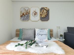 ขายคอนโดพระราม 9 เพชรบุรีตัดใหม่ RCA : คอนโด ลิฟวิ่งเพลส Living Place ซอย ศูนย์วิจัย 14ชีวิตติดทองหล่อ เพชรบุรี RCA ขายคอนโด Living Place ซ.ศูนย์วิจัยราคา 1,190,000 บาทห้องทำเลดี วิวเปิดโล่งตั้งอยู่ที่ ซอยศูนย์วิจัย 14 บางกะปิ ห้วยขวาง กรุงเทพมหานคร 10310สถานที่ใกล้เคียง- โรงพยาบาลกรุงเทพ- RCA