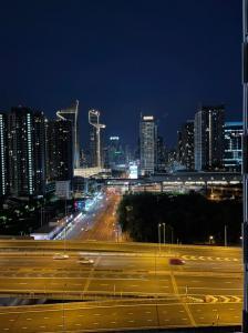 For RentCondoRama9, RCA, Petchaburi : Chewathai Asoke > Newroom > Duplex ห้องสวยมาก 2ชั้น เฟอนิเจ้อครบ !