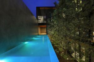ขายบ้านลาดพร้าว71 โชคชัย4 : Selling : Luxury House With Full Furniture and Private Pool , Lardprow 71 ( Central Esville , CDC ) 101 sqw , 700 sqm , 3 Floors , 4 Bed 5 Bath 1 Living Room , 4 Parking lot 🔥🔥Selling Price : 57,000,000 THB 🔥🔥