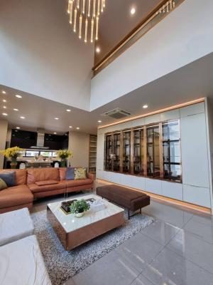 For RentHouseRama9, RCA, Petchaburi : Parc Priva luxury house