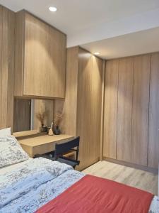 เช่าคอนโดพระราม 9 เพชรบุรีตัดใหม่ : ให้เช่า Ideo Mobi อโศก 1 นอน 35 ตรม. ชั้น 20 ห้องสวย ตกแต่งอย่างดี Fully Furnished วิวสวนมักกะสัน