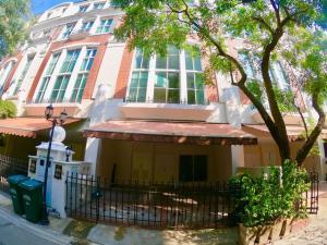 เช่าทาวน์เฮ้าส์/ทาวน์โฮมนานา : AE64187 ให้เช่า ทาวน์เฮ้าส์ 4 ชั้นครึ่ง บ้านกลางกรุง ทองหล่อ 4นอน 6น้ำ ใกล้ BTS ทองหล่อ