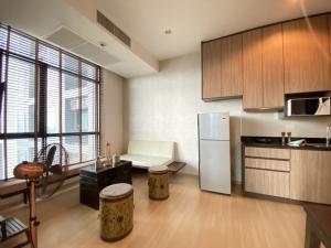 For SaleCondoRama9, Petchburi, RCA : The capital Condo Ekkamai-Thonglor For Sales 2 beds, 1bath, full furnished.