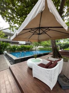 ขายบ้านสุขุมวิท อโศก ทองหล่อ : เช่า/ขายบ้านทองหล่อ  Villa House In Thonglor with Private Pool , 5 Beds 5 baths ,163 sqw, 459 sqm ,Parking 4+4