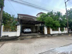 For SaleHouseMahachai Samut Sakhon : Single house for sale, Sarin City Wongtawan Project, area 84.4 square wa, surrounded by nature, lake and classy trees.