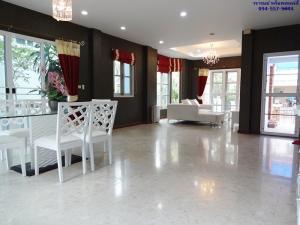 ขายบ้านราษฎร์บูรณะ สุขสวัสดิ์ : บ้านเดี่ยว ประชาอุทิศ วรารมย์ 64 ตร.ว. บ้านหลังใหญ่ ราคาถูกกว่า มีห้องโถงนั่งเล่นชั้นบน วัสดุบ้าน โครงสร้างบ้าน ดีเยี่ยม
