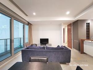 For RentCondoWongwianyai, Charoennakor : ADASH-048 1 bedroom condo for rent at The River Riverside, high floor, 30,000 baht.