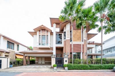 ขายบ้านอ่อนนุช อุดมสุข : ขายบ้านแสนสิริ สุขุมวิท67 Baan Sansiri Sukhumvit67 5ห้องนอน 6ห้องน้ำ 1ห้องแม่บ้าน 4ที่จอดรถ พร้อมสระว่ายน้ำส่วนตัว ใกล้BTSพระโขนง