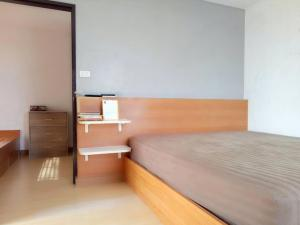 For SaleCondoRatchadapisek, Huaikwang, Suttisan : NC-S189 # Selling cheap Ratchada Orchid Condo, corner room 129/163 ((room size 46 sq.m.)) Building A, 13th floor, corner room, next to the common balcony. Can be renovated into two bedrooms. In the heart of the city, easy access, complete facilities insid