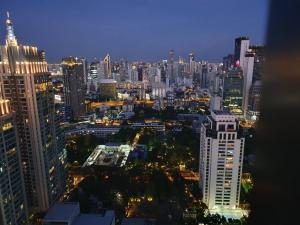 For RentCondoWitthayu,Ploenchit  ,Langsuan : Urgent Rent ++ 28 Chidlom ++ Good Decor ++ Breathtaking View from Unit ++ BTS Chidlom++ Available@ 52000 Negotiable 🔥🔥