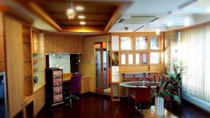 For RentCondoWongwianyai, Charoennakor : Urgent Rent ++ Great Decor ++ Good View ++ Available @ 25000🔥🔥