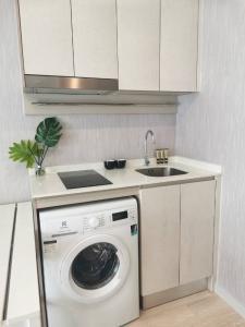 For RentCondoSathorn, Narathiwat : For rent 1 bedroom Knightsbridge Prime Sathorn only 16,000/month