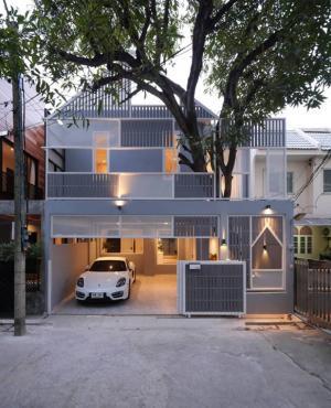 For RentHouseSukhumvit, Asoke, Thonglor : Rental : Loft House With Full Furnitures in Thonglor , 3 Bed 3 Bath , 2+1 Parking lot