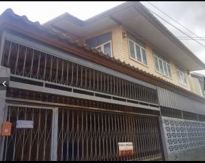 For SaleHouseNakhon Sawan : ขายบ้านพร้อมโฉนดในตัวเมืองปากน้ำโพ