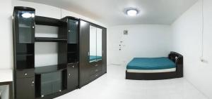 For SaleCondoSapankwai,Jatujak : NC-S191 #Quick Sale Royal Tower condo (Soi Inthamara 25) - Size 30.88 sq m. Zone A, 8th floor, 1 bedroom, 1 bathroom, 1 kitchen, 1 car park #free furniture as in the photo - Condo Built in, beautiful room, good feng shui Very cool room, not hot afternoon,