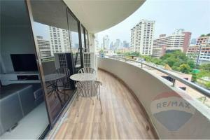 For SaleCondoSukhumvit, Asoke, Thonglor : Sale big 2 bedrooms unit 100 SQM with big balcony condo Supalai Place 39