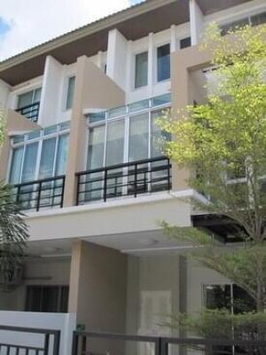 For RentTownhouseChengwatana, Muangthong : Vista park town-home (for rent)