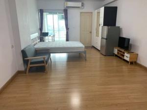 For RentCondoRama9, RCA, Petchaburi : ให้เช่าคอนโด Supalai Park อโศก-รัชดา Studio 34 ตรม. ชั้น 28 วิวเมือง แต่งครบ มีเครื่องซักผ้า ราคาถูกมาก
