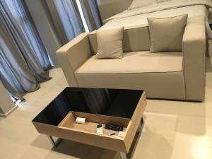 For RentCondoWitthayu, Chidlom, Langsuan, Ploenchit : Noble Ploenchit 1br for rent