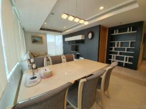 For RentCondoSathorn, Narathiwat : For rent !! The Empire Place 3 ห้องนอน 132 ตร.ม. ห้องมุม หายาก เพียง 55,000 บาทเท่านั้น