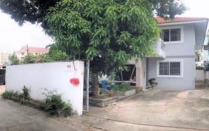 For RentHouseRatchadapisek, Huaikwang, Suttisan : House for Rent at Soi Sutthisarn 1 Near MRT Sutthisarn