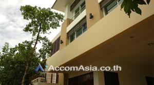 For RentHouseOnnut, Udomsuk : Moo Baan Pakamas House 5 Bedroom For Rent BTS Phra khanong in Sukhumvit Bangkok ( AA25900 )