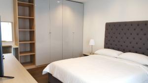 เช่าคอนโดสาทร นราธิวาส : Nara9 For Rent !!! Only 30,000 baht, 2 bed 2 bath ,Size 66 sqm , high floor and ready to move in