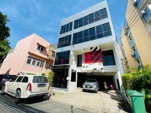 For RentShophouseRatchadapisek, Huaikwang, Suttisan : Office Building for sale at Ratchadapisek Road near MRT