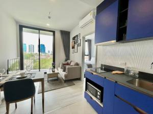 For RentCondoSukhumvit, Asoke, Thonglor : 🔥 For Rent! XT Ekkamai 1B1B 30 sqm Fully Furnished + Appliance Ready to move, both short and long rent🔥 North Direction, Phetchaburi view, not hot
