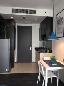 For RentCondoSukhumvit, Asoke, Thonglor : N1031117 ให้เช่า/Rent Condo Edge Sukhumvit 23 (เอดจ์ สุขุมวิท 23) 1นอน 33ตร. ม ตกแต่งเฟอร์ครบ ห้องสวย พร้อมอยู่