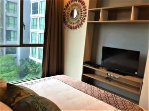 เช่าคอนโดสุขุมวิท อโศก ทองหล่อ : ✅ให้เช่า 1ห้องนอน 1ห้องน้ำ  ขนาด 50 ตร.ม. ชั้น 9 ตึกA เฟอร์นิเจอร์ครบ พร้อมเข้าอยู่  ราคาเช่า 30,000 บาท/เดือน