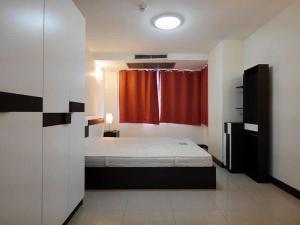 For RentCondoRamkhamhaeng,Min Buri, Romklao : B393-B213 Condo for rent, Fragrant 71 (Fragrant71), 3rd floor, size 62 sq.m., beautiful room, fully furnished.