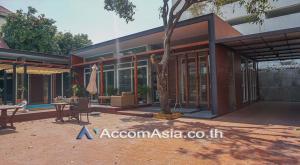 For RentHouseNana, North Nana,Sukhumvit13, Soi Nana : Private Pool | House 2 Bedroom For Rent & Sale BTS Nana in Sukhumvit Bangkok (AA18180)
