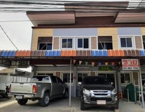 For SaleTownhouseBang kae, Phetkasem : ขายทาวน์โฮม 2 ชั้น ขนาด 22 ตร.ว. มือสอง พร้อมอยู่ ทำเลดี ติดถนนซอย เดินทางสะดวก