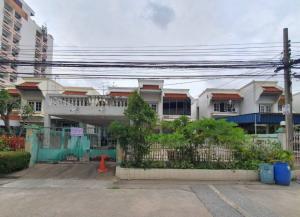For SaleHouseLadkrabang, Suwannaphum Airport : (เจ้าของขาย) บ้านเดี่ยว 2 ชั้น ซอยศรีนครินทร์ 50 ใกล้รถไฟฟ้าสายสีเหลือง สถานีศรีอุดม เนื้อที่ 61 ตารางวา 3 ห้องนอน 3 ห้องน้ำ จอดรถได้ 4 คัน
