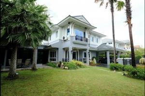 For RentHouseBangna, Lasalle, Bearing : House for Rent (Fully Furnished) Nantawan Srinagarindra Village, corner unit.
