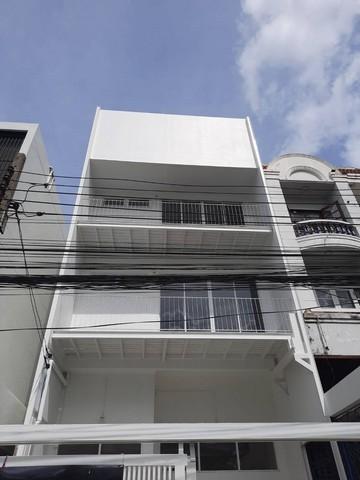 For SaleTownhouseRatchadapisek, Huaikwang, Suttisan : ขายทาวน์โฮม 3ชั้นย่านสุทธิสาร ห้วยขวาง ใกล้ MRTสุทธิสาร 750 เมตร