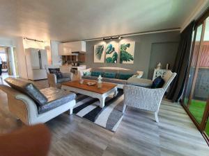 For SaleCondoPhuket, Patong : Apartment Phuket for sale, Beachfront Kalim beach, 2 Bed 2 Bath THB 9,700,000