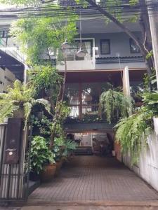 For RentTownhouseLadprao 48, Chokchai 4, Ladprao 71 : OHM235 ให้เช่าทาวน์โฮม 4 ชั้น พร้อมเฟอร์ ถนนโชคชัย 4 ใกล้ตลาดโชคชัย 4