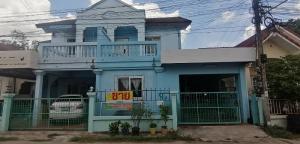 For SaleTownhouseKhon Kaen : ขาย/เช่า บ้านแฝด 2 ชั้น ใกล้ตลาดเย็นศิลา มี 3 ห้องนอน 2 ห้องน้ำ 1 ห้องพระ เนื้อที่  27 ตร.ว.
