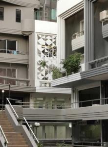 ขายบ้านสุขุมวิท อโศก ทองหล่อ : ขายพร้อมผู้เช่า Sale with tenant  Home office 1คูหา 5ชั้น luxury stlye เอกมัย ขาย 22 ลบ. ขายพร้อมผู้เช่า   เช่า85,000 สัญญาเช่า3ปี