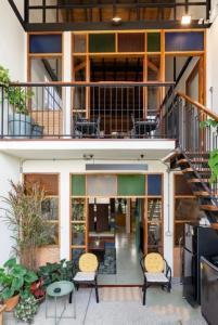 เช่าทาวน์เฮ้าส์/ทาวน์โฮมนานา : ให้เช่า TOWNHOUSE For RENT 4 ห้องนอน  400 ตร.ม.  B80,000 @BTS นานา