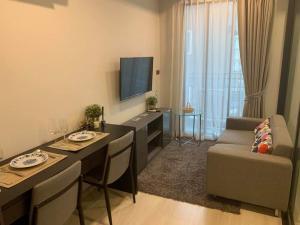 เช่าคอนโดนานา : 💕 ให้เช่าคอนโด 1 ห้องนอน Venio 10 Sukhumvit 10 ห้องแต่งสวย ห้องกว้าง 34 ตรม. เข้าอยู่ได้เลย
